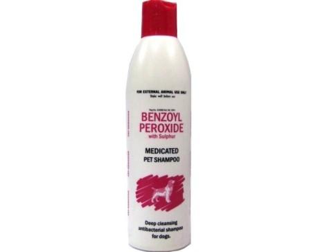benzoyl-peroxide-shampoo-dog-cat